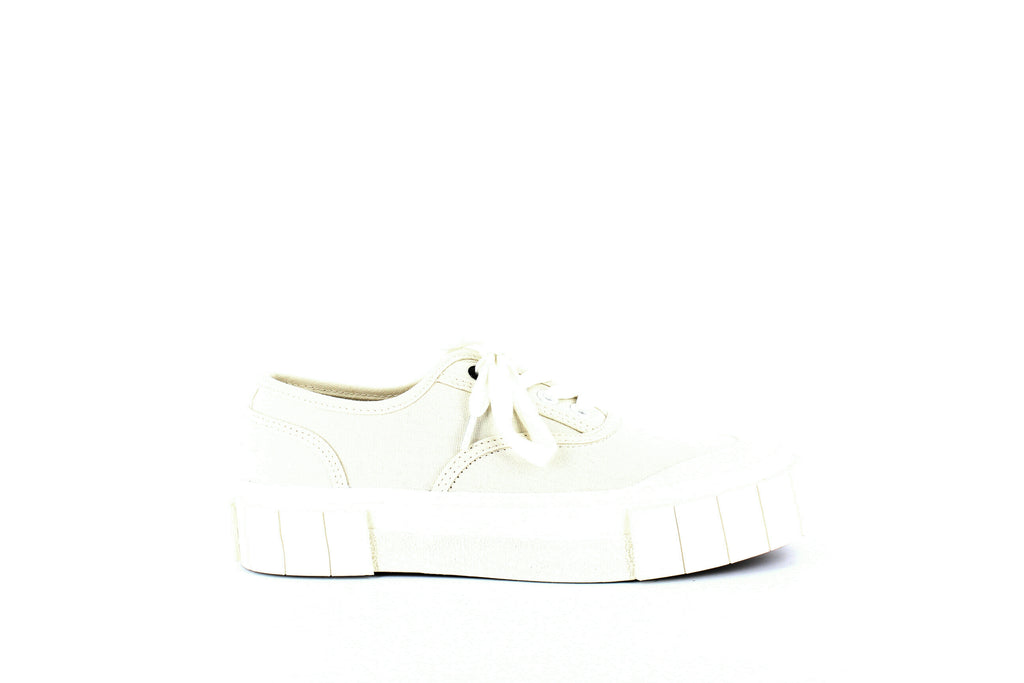 Yieldings Discount Shoes Store's Bagger Low-Top Platform Sneakers by Good News in White