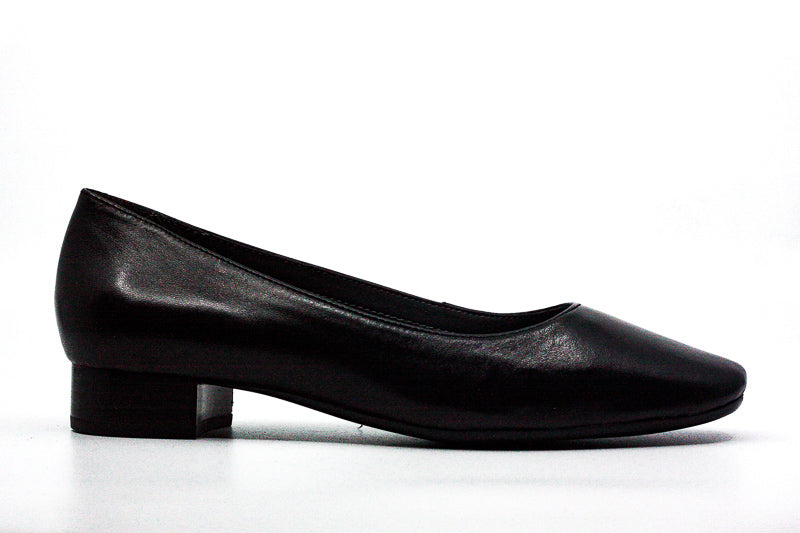 Yieldings Discount Shoes Store's Subway Leather Pumps by Aerosoles in Black