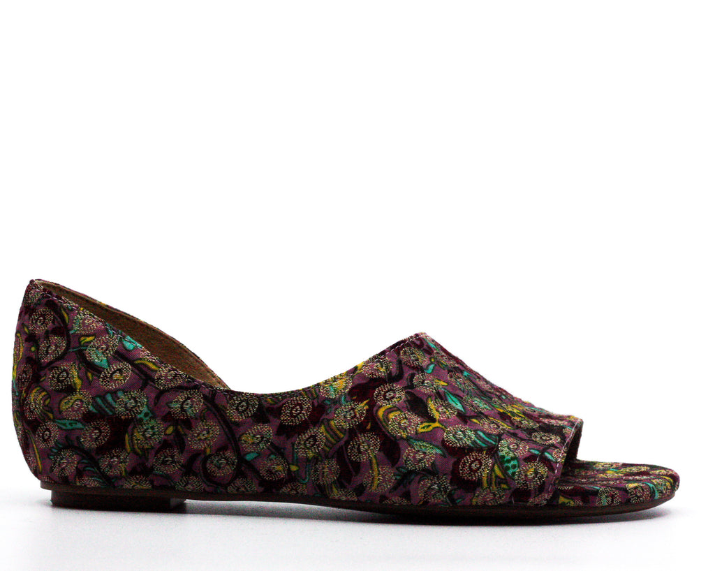 Naturalizer | Lucie Brocade Flat Sandals