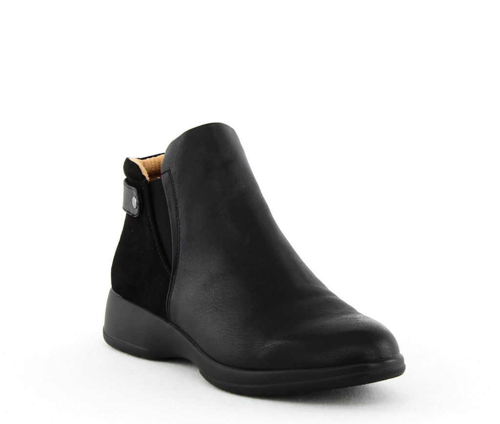 Yieldings Discount Shoes Store's Barita Flat Ankle Boots by Naturalizer in Black