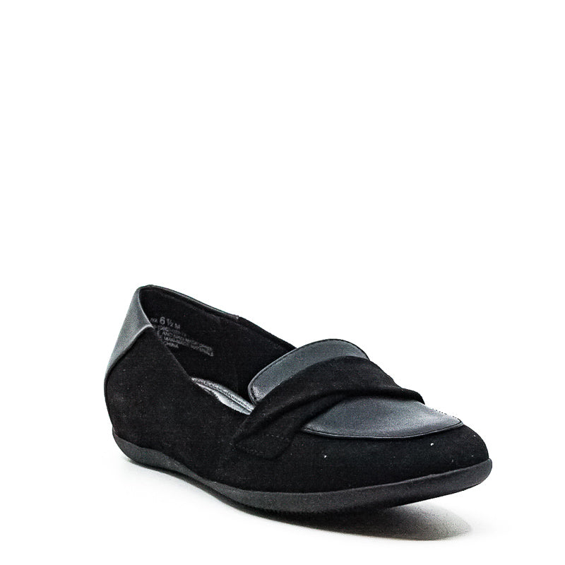 Yieldings Discount Shoes Store's Juliya Microfiber Loafers by Baretraps in Black