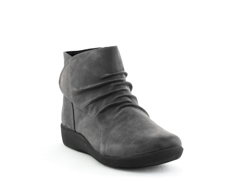 Cloudsteppers by Clarks | Sillian Chell Booties