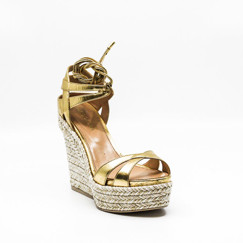 Yieldings Discount Shoes Store's Scarpe Donna Sandals by Sergio Rossi in Gold