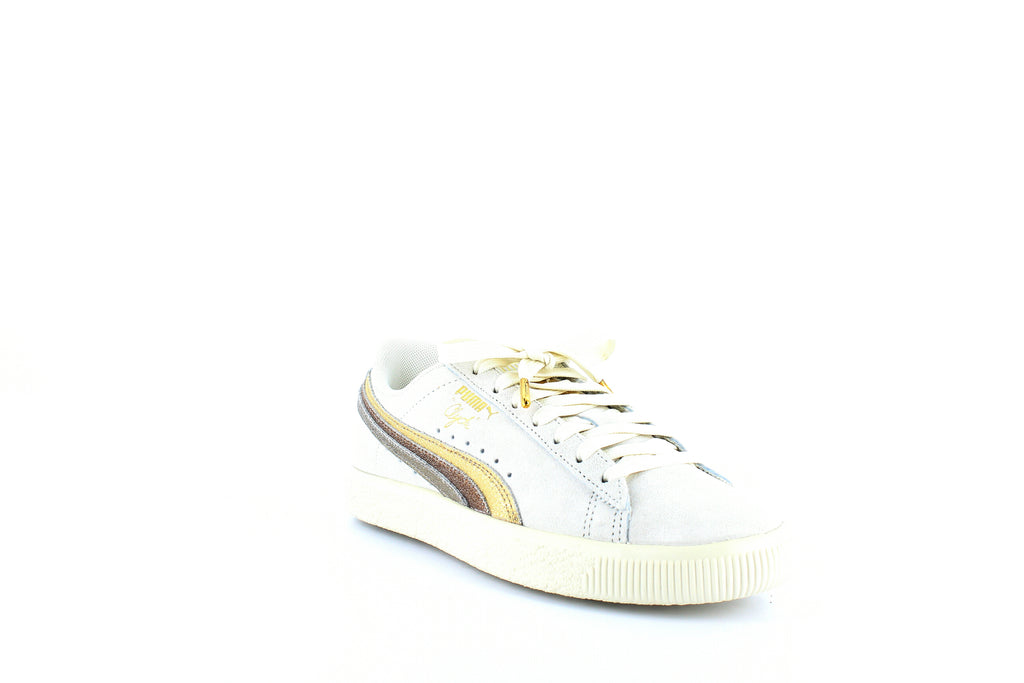 Yieldings Discount Shoes Store's Clyde Low-Top Sneakers by Puma in Whisper White/Gold/Bronze