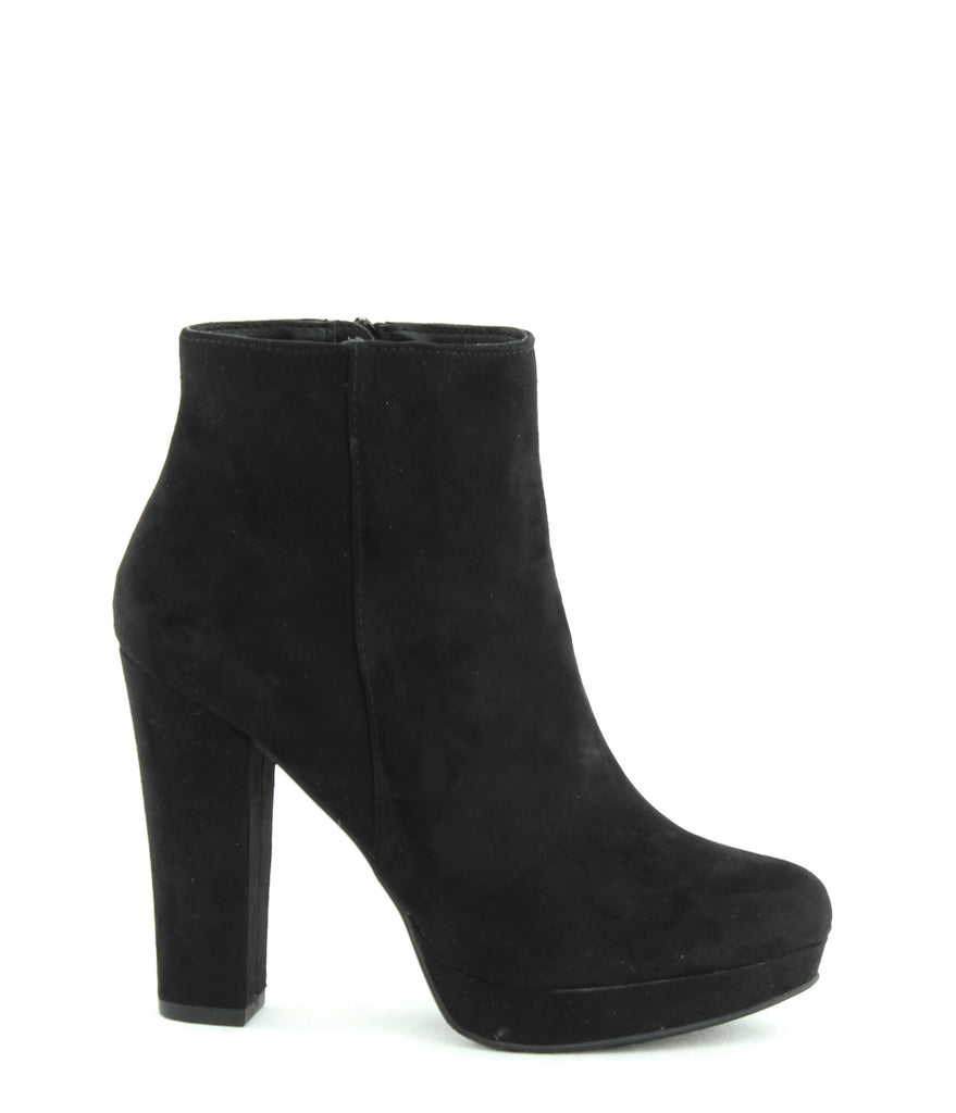 Yieldings Discount Shoes Store's Lyle Booties by Report in Black