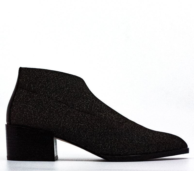 Donald Pliner | Daved Elastic Block Heel Ankle Booties