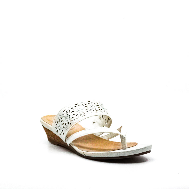 Yieldings Discount Shoes Store's Great Chime Wedge Sandals by Reaction Kenneth Cole in White