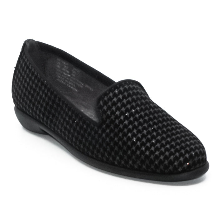 Yieldings Discount Shoes Store's Betunia Houndstooth Flats by Aerosoles in Black