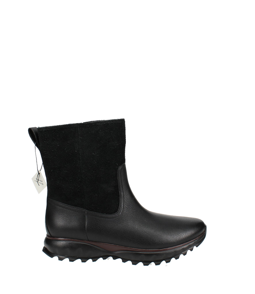 Yieldings Discount Shoes Store's Zerogrand XC Pull On Boots by Cole Haan in Black