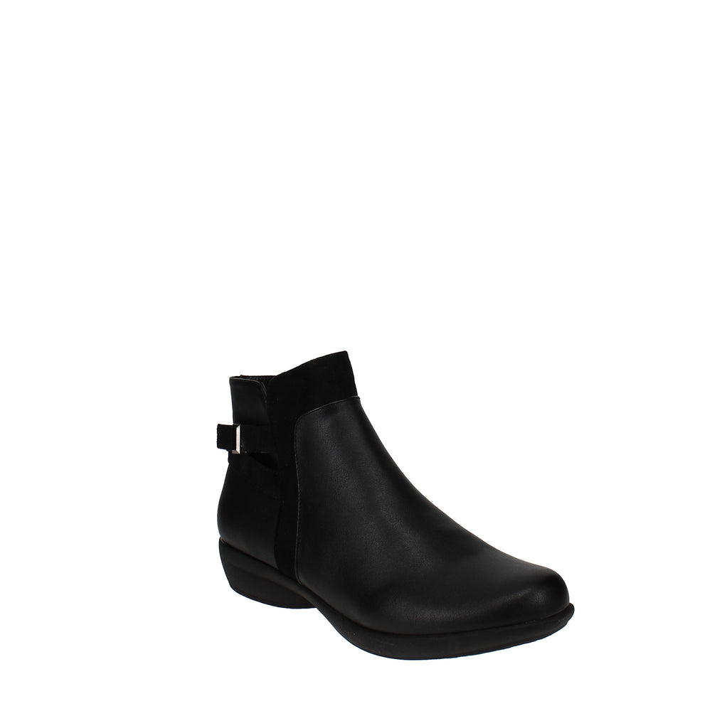 Yieldings Discount Shoes Store's Vanni Ankle Booties by Karen Scott in Black