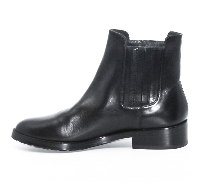 Stuart Weitzman | Basilico Leather Chelsea Booties