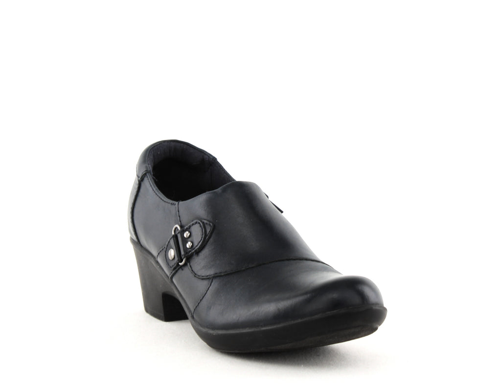 Yieldings Discount Shoes Store's Genette Harper Leather Closed Toe by Clarks in Navy
