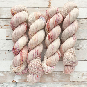 wilted flowers | 4-ply sock