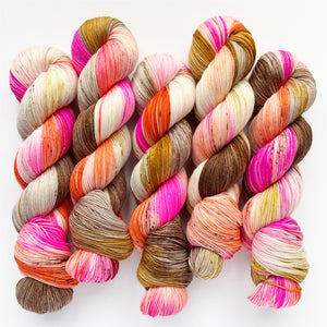 coral contessa | 4-ply sock