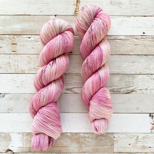 chewed bubblegum | 4-ply sock