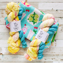 Load image into Gallery viewer, pucker up - summer is coming | yarn and bag kit