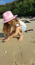 Load image into Gallery viewer, 'FINGAL BEACH' Fedora - Pink