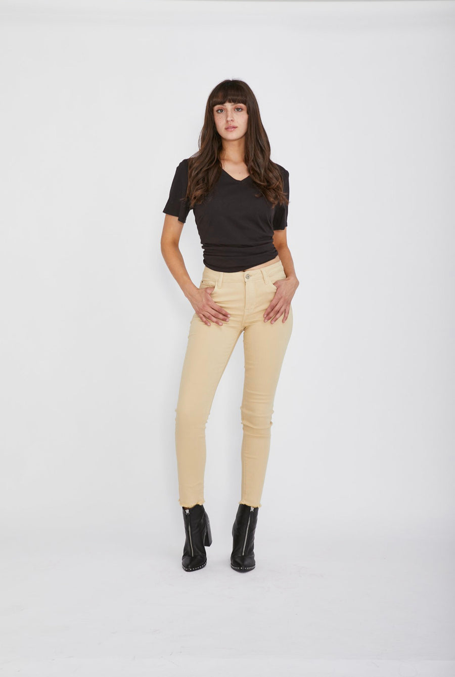 Lucia Jeans-Wheat