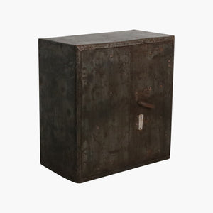 Iron cabinet + safe inside