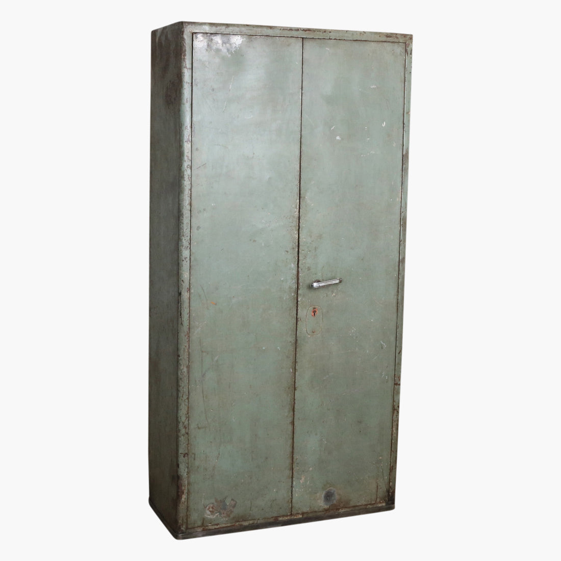 Green iron safe 21 lockers inside