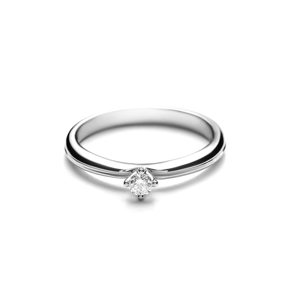 Giselle Small Platinum Diamond Ring (T2001290001)