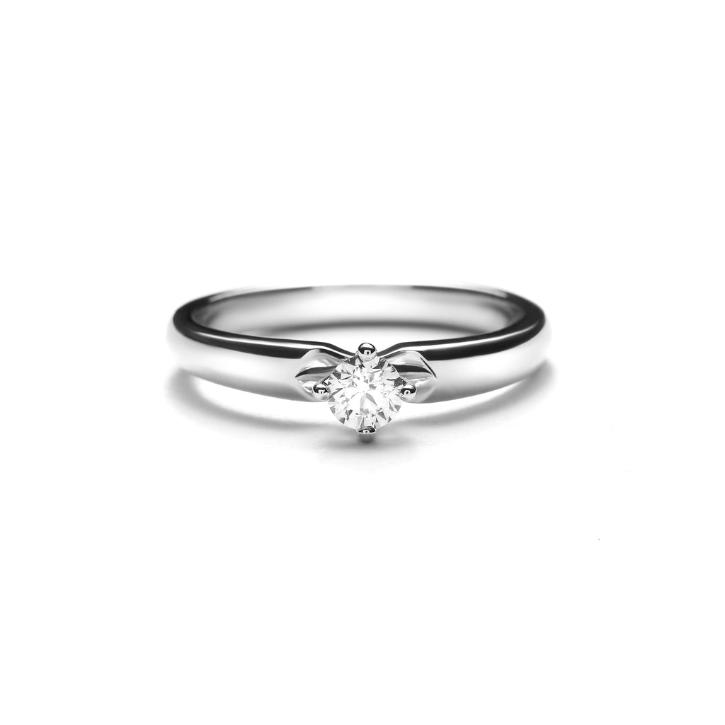 Rosie Medium Platinum Diamond Ring (T2002190038)