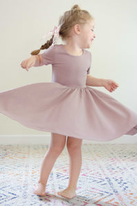 The Classic Scoop Twirl in Mauve