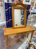 Concord Miniatures Vanity with Mirror (M915)