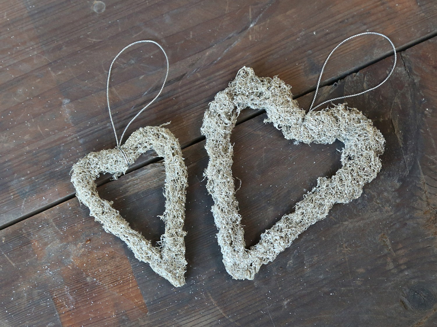 Dried moss hanging heart - 2 sizes