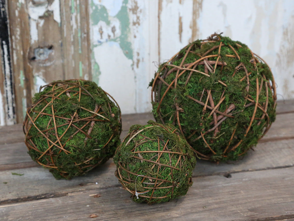 Moss balls with twig - 3 sizes