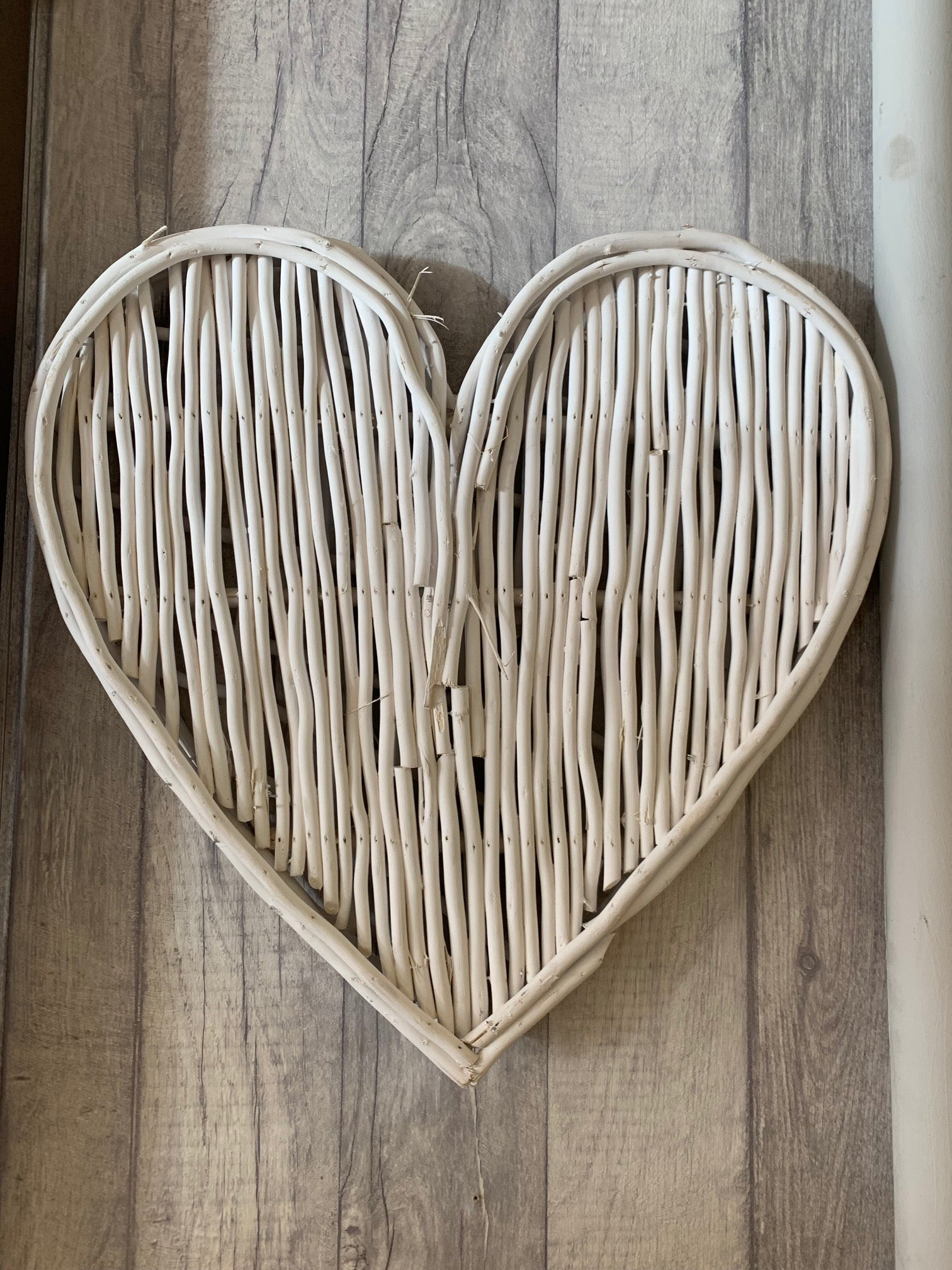 Small white willow heart