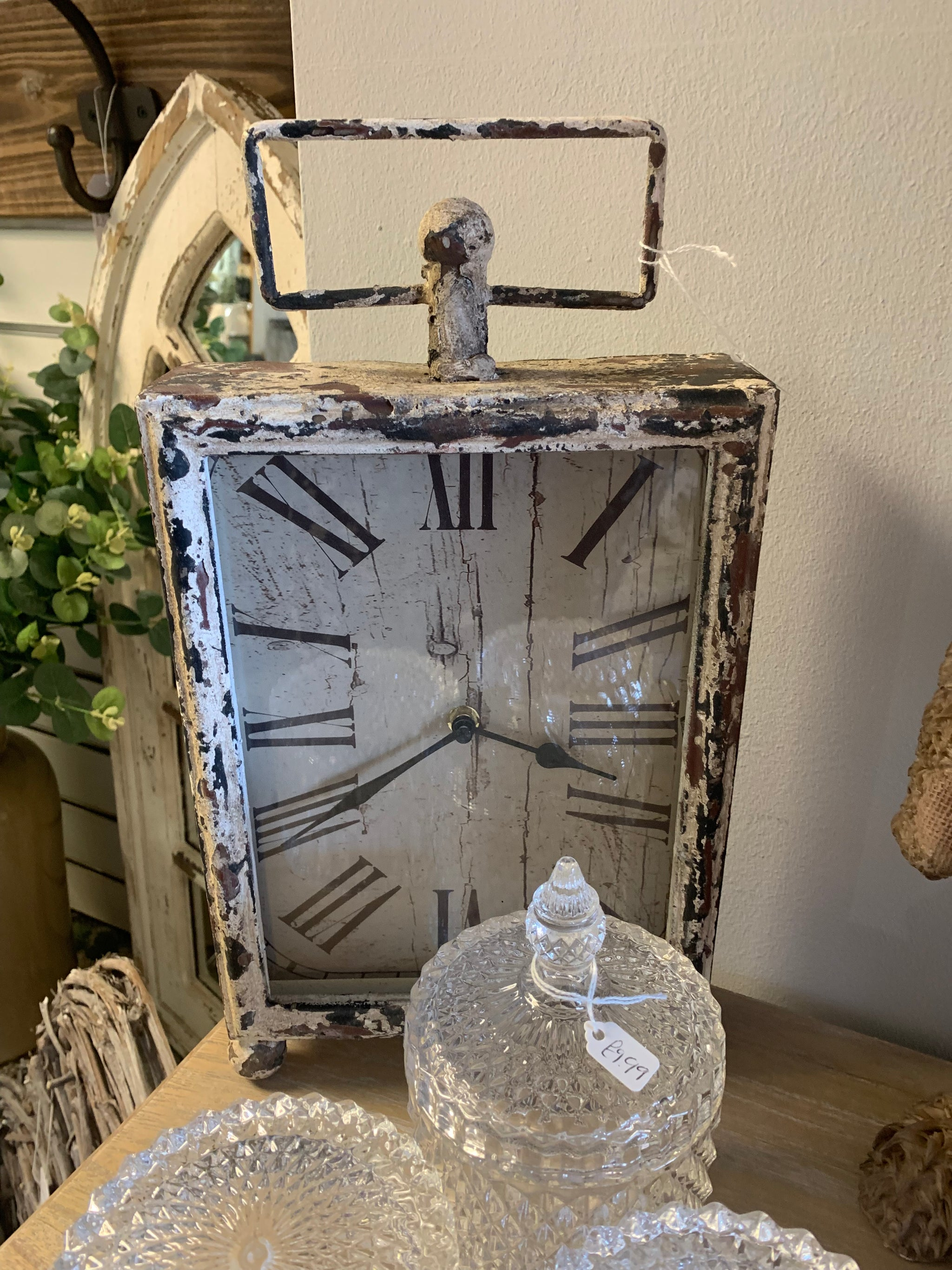 Freestanding square clock