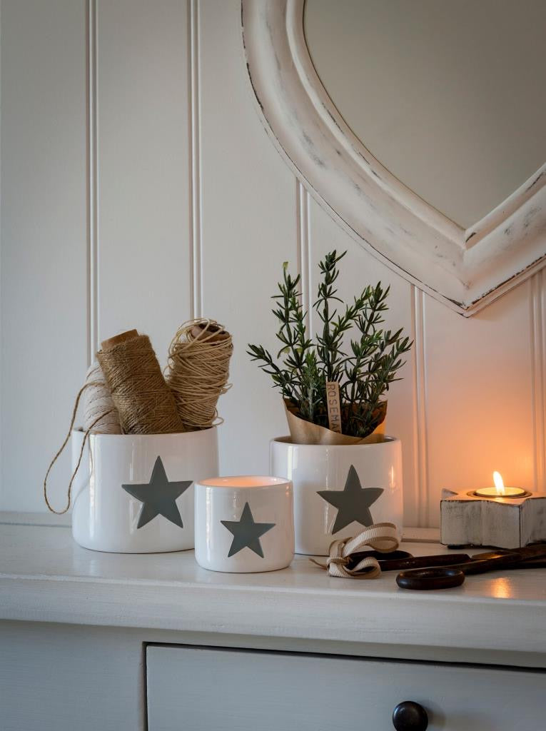 Set of 3 white & grey star pots