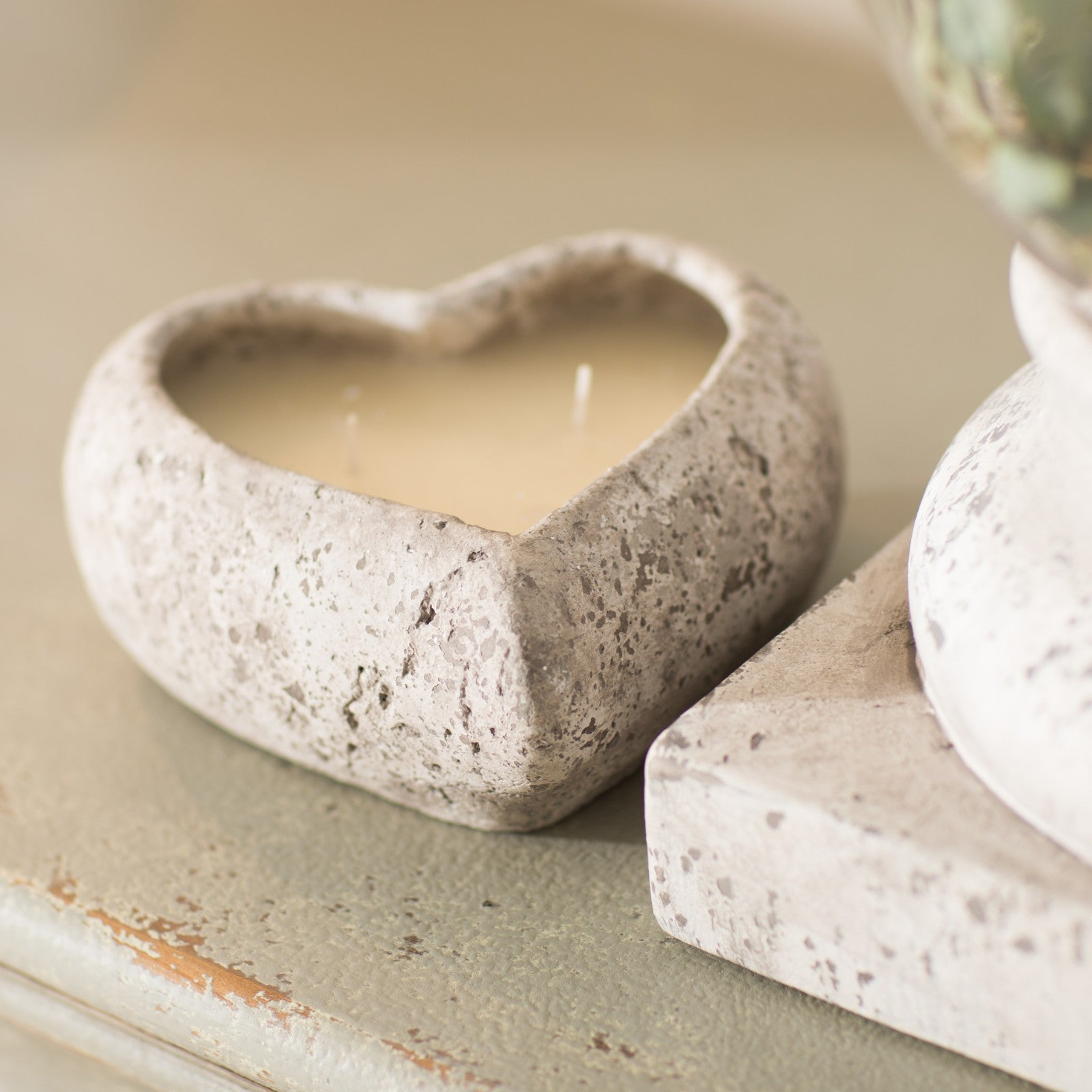 Chunky heart candle