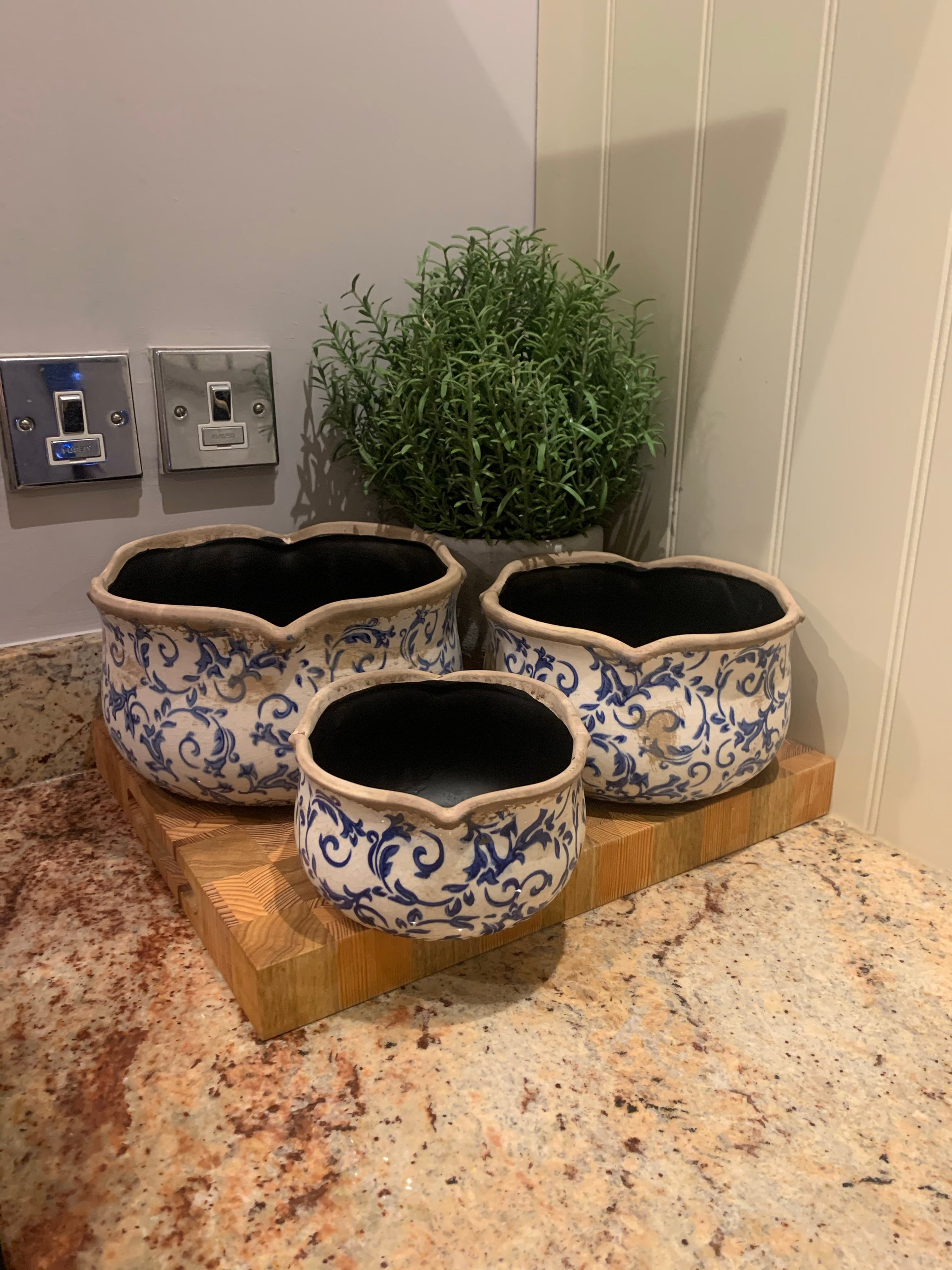 Set of 3 Blue Scallop Planters