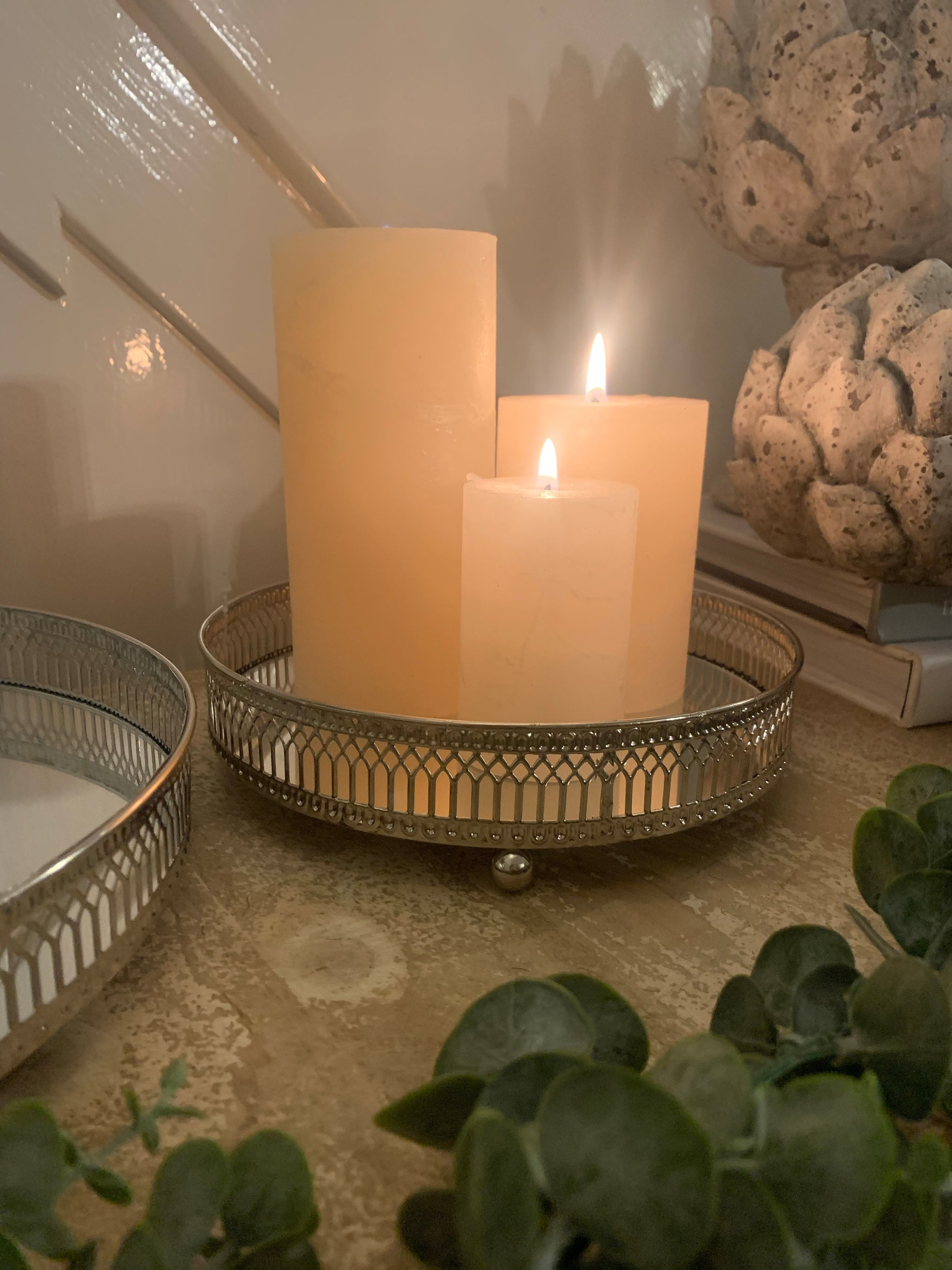 Mirrored candle plate - 2 colours and 2 sizes