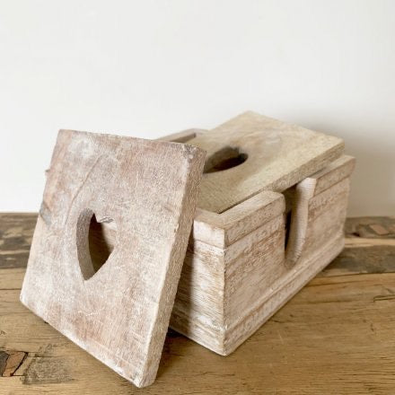 Set of 6 Natural coasters in holder