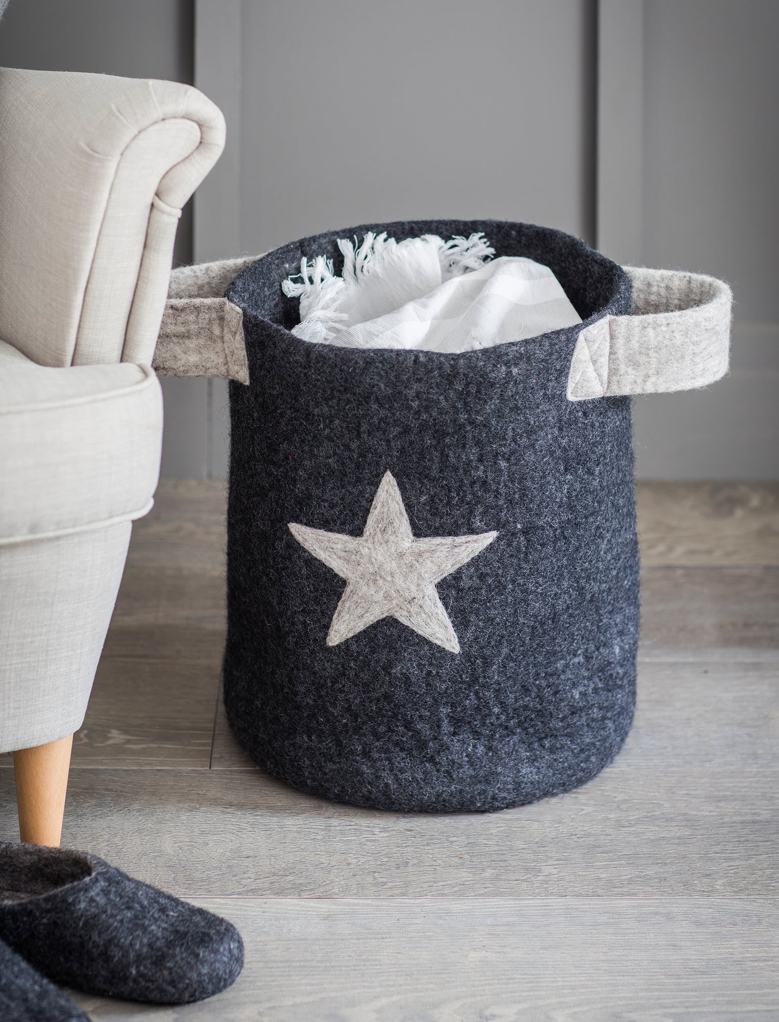 Grey star basket