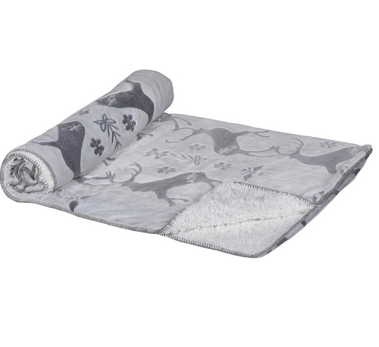 Cosy grey stag throw