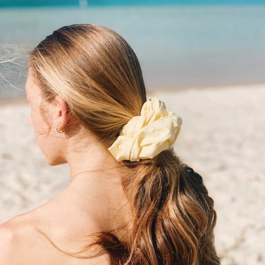 Limón Oversized Butter Yellow Scrunchie | Señorita Scrunchie Australia
