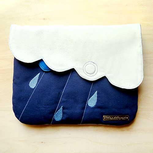 Clutch Purse - Cloudy Days (Ivory Dark Blue)
