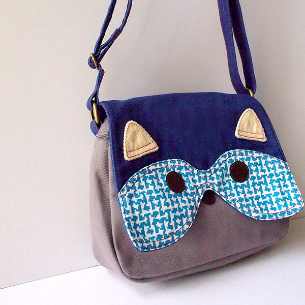 Crossbody Sling Bag - Bandit Raccoon (Vintage Blue Knit)
