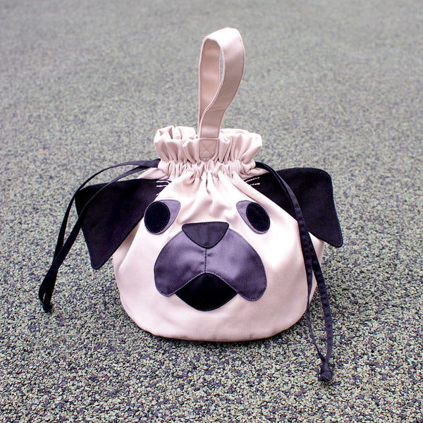 Drawstring Handcarry Bucket Purse - Pudgy Pug (Cream Beige)
