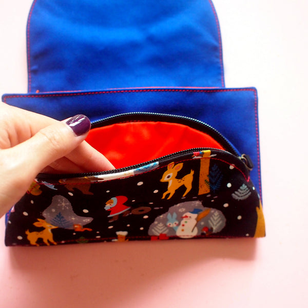 Crossbody-Clutch-Wallet - Over The Rainbow (Winter Forest) Black