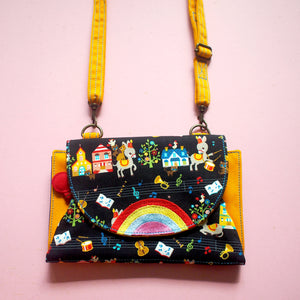 Crossbody-Clutch-Wallet - Over The Rainbow (Bremen Musicians) Black