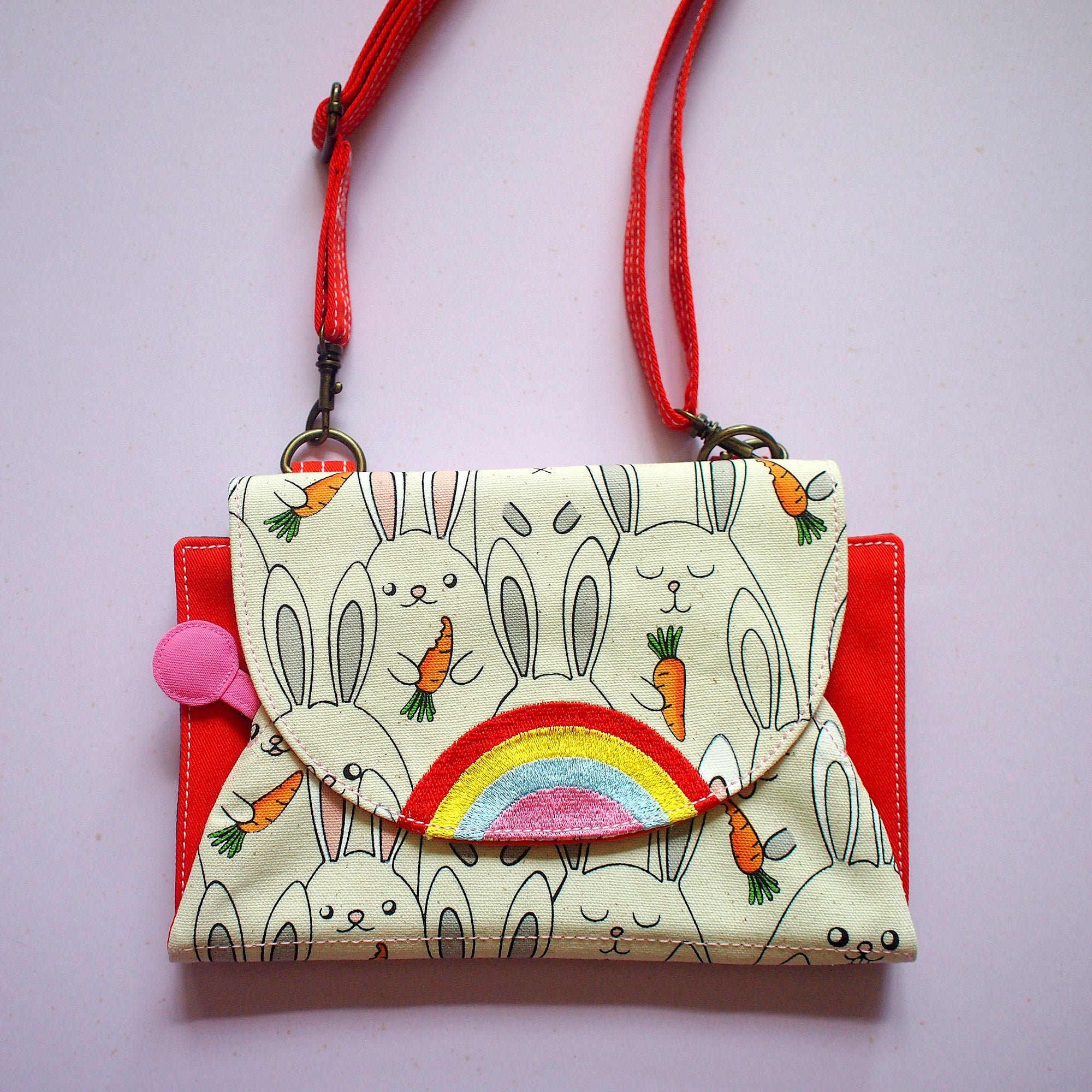 Crossbody-Clutch-Wallet - Over The Rainbow (Bunny Love Carrots)