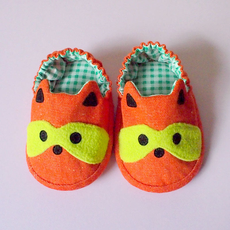 Baby Booties - Bandit Raccoon #09