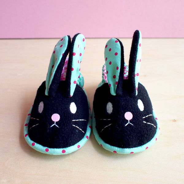 Baby Booties - Chubby Bunny #09 (2 Variants)