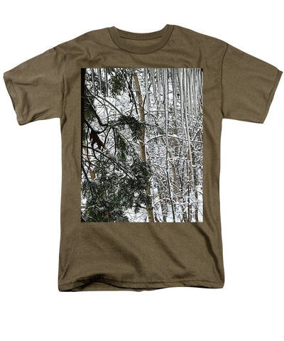 Icicles On The Tree - Men's T-Shirt  (Regular Fit)