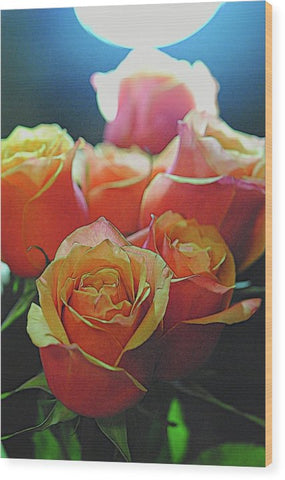 Pinki And Orange Rose Bouquet With Light - Wood Print